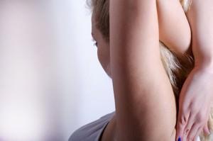姿勢を正すには正しい背筋が必要不可欠な3つの理由