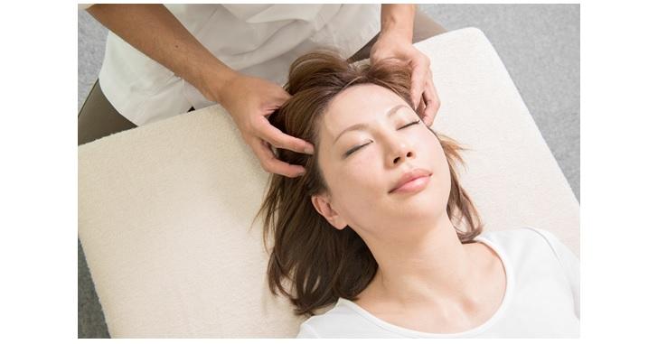 頭皮を持ち上げるマッサージ方法