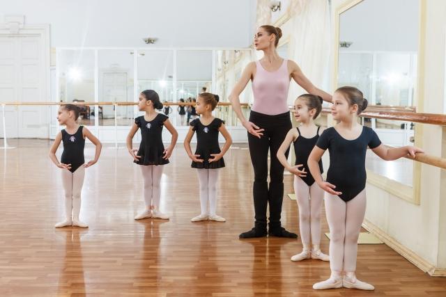 バレエを踊る方々